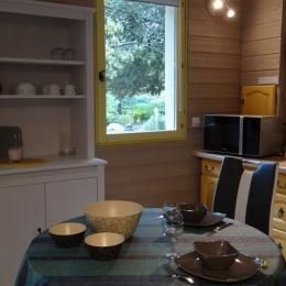 Le coin cuisine - Location de vacances - Gordes