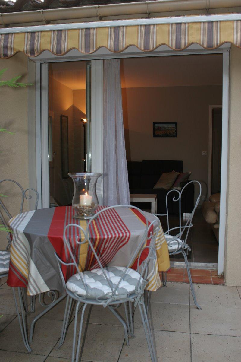 terrasse - Location de vacances - Saint-Saturnin-lès-Avignon