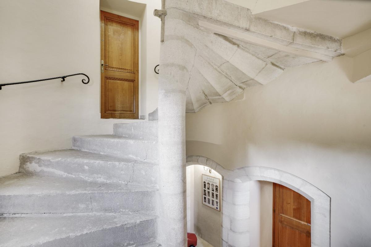 L'entrée de l'appartement - Location de vacances - Le Pontet