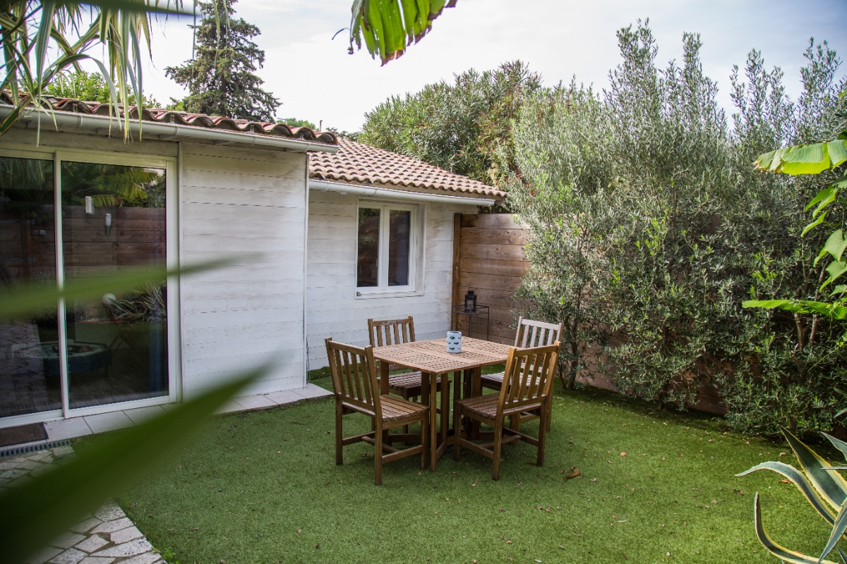 MaTiKase petite maison avec jardin indépendant. - Chambre d'hôtes - Avignon