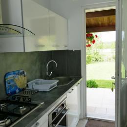 coin cuisine - Location de vacances - Maillé