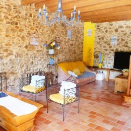 Espace salon - Partie 1 - Location de vacances - Rocheservière