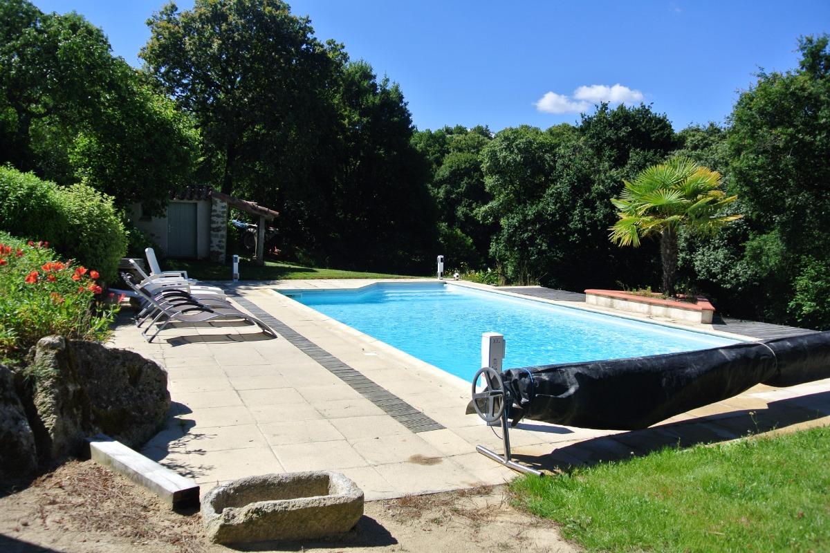 la piscine  - Location de vacances - Les Herbiers