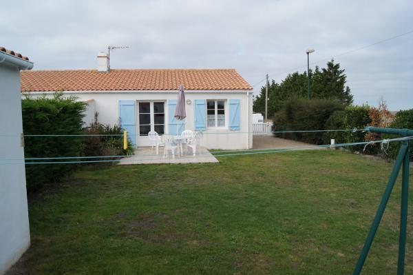 jardin terrasse  - Location de vacances - Barbâtre