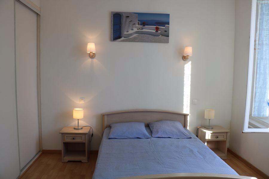 Chambre 1 Volets Bleus les Sables d'Olonne - Location de vacances - Château d'Olonne