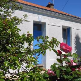 Façade sud  Volets Bleus les Sables d'Olonne - Location de vacances - Château d'Olonne