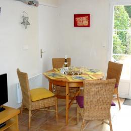 la salle de séjour et son canapé méridienne - Location de vacances - Noirmoutier en l'Île