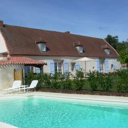 piscine privée du gîte - Location de vacances - Tallud Sainte Gemme