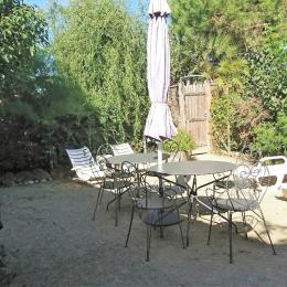 Salon de jardin et barbecue. - Location de vacances - La Barre de Monts - Fromentine