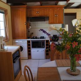 Espace repas - Cuisine - Location de vacances - Le Fenouiller