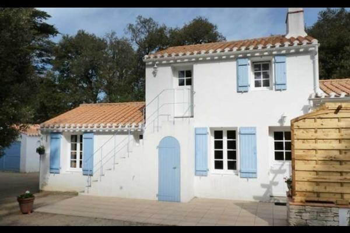 Maison Mitoyenne Dans Le Bois De La Chaize Sur LIle Noirmoutier
