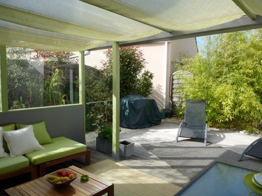 Terrasse en bois 30m2 1/2 couverte avec salon,  table , chaises+ plancha electrique  - Location de vacances - Olonne sur Mer
