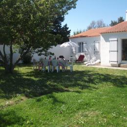 La maison vue du jardin - Location de vacances - La Guérinière
