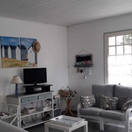 Coin repas ambiance mer face à un écrin de verdure - Location de vacances - Bretignolles sur Mer