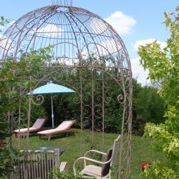 Terrasse privée comme un jardin secret - Chambre d'hôtes - Moreilles