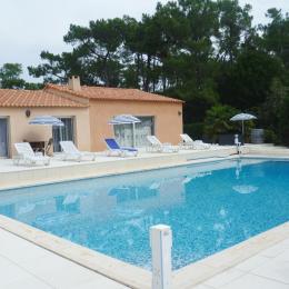 Côté piscine - Chambre d'hôtes - Le Fenouiller