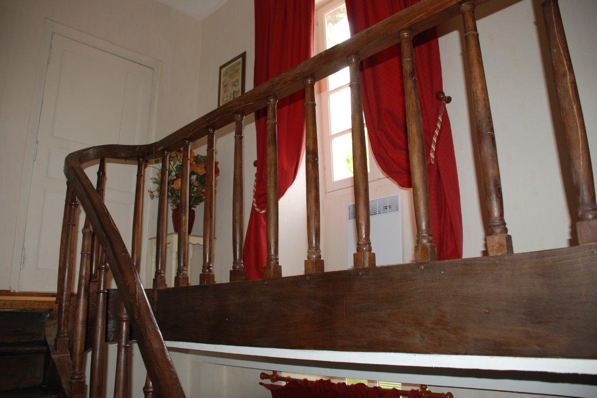 escalier chambre rustique - Chambre d'hôtes - La Boissière des Landes