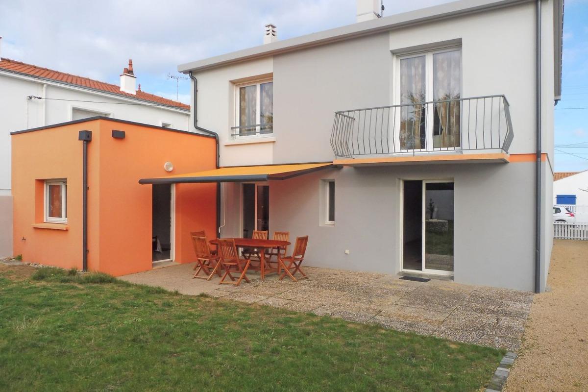 Terrasse côté jardin - Location de vacances - Saint Hilaire de Riez
