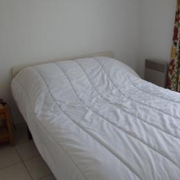 Chambre lit en 140 - Location de vacances - Barbâtre