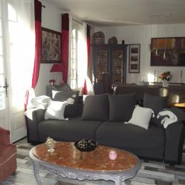 pièce de vie - espace salon avec poêle à pelets - Location de vacances - Longeville sur Mer