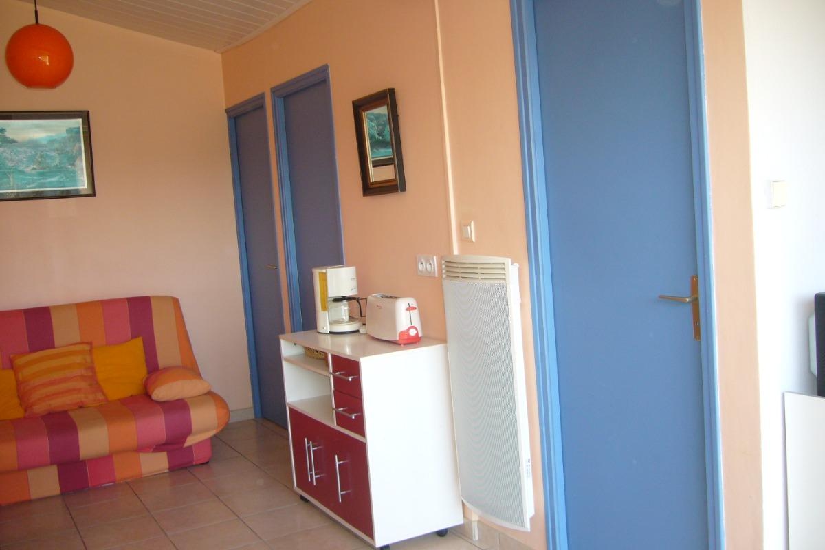séjour côté sanitaires - Location de vacances - Saint Michel en l'Herm