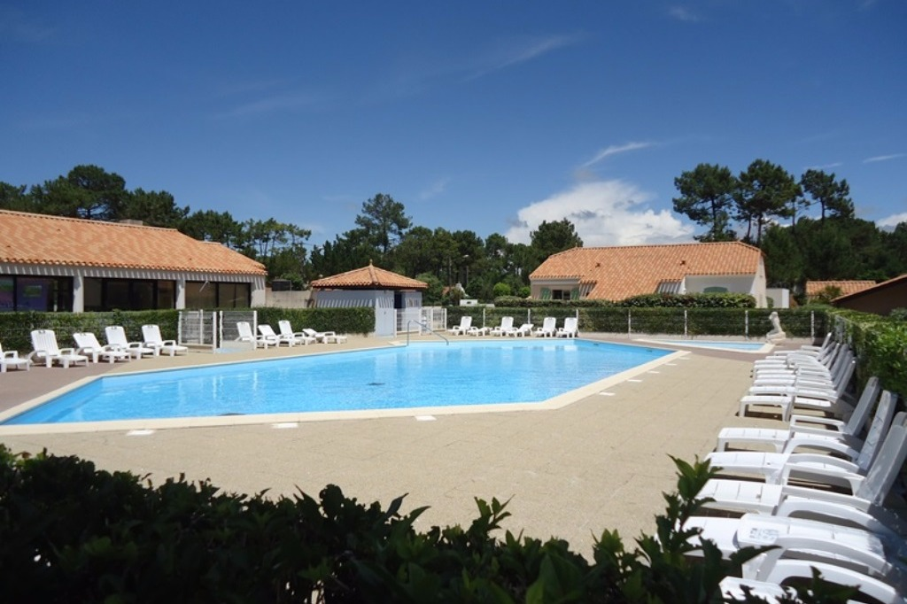 Maison dans r sidence avec piscines location vacances - Residence vacances var avec piscine ...