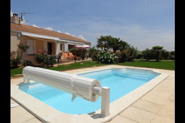 Villa Avec Piscine Chauffe  Proximit De La Tranche Sur Mer