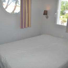chambre deux lits séparables - Location de vacances - Château d'Olonne