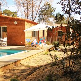 Villa Solana, piscine chauffée, entourée par les pins - Location de vacances - Longeville sur Mer