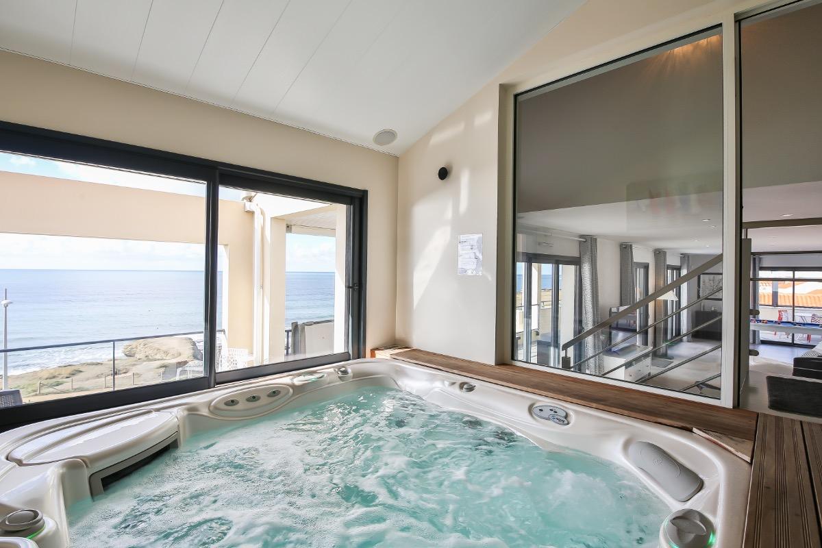 Espace piscine (30°C) et spa (36°C) toute l'année - Location de vacances - Saint Hilaire de Riez