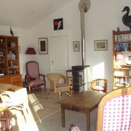 Pièce  de vie : espace salon - Location de vacances - La Guérinière