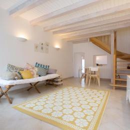 Pièce de vie, salon et coin repas - Location de vacances - Les Sables-d'Olonne