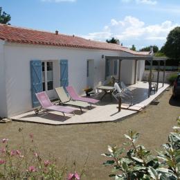 cour fermée arborée et terrasse - Location de vacances - Noirmoutier en l'Île