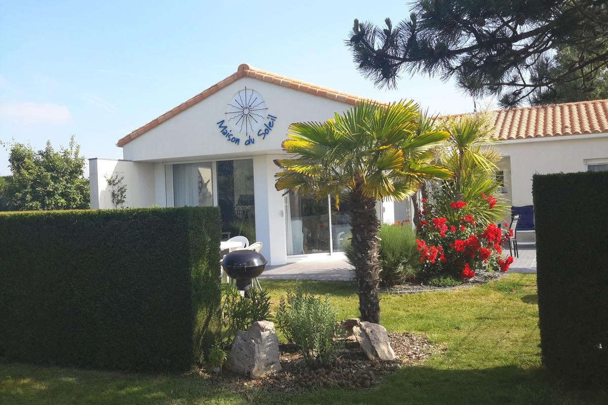 MDS 151 Piscine privée, sécurisée par une clôture et une alarme = vacances tranquilles  - Location de vacances - Château d'Olonne