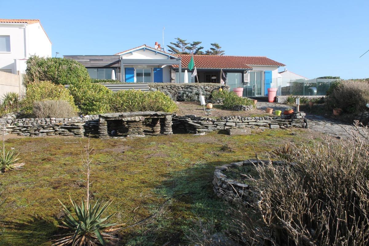 Maison contemporaine avec piscine face la plage for Location maison avec piscine vendee