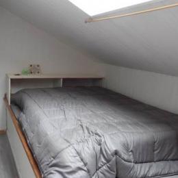 Chambre mezzanine mansardée lit en 140 - Location de vacances - La Barre de Monts - Fromentine