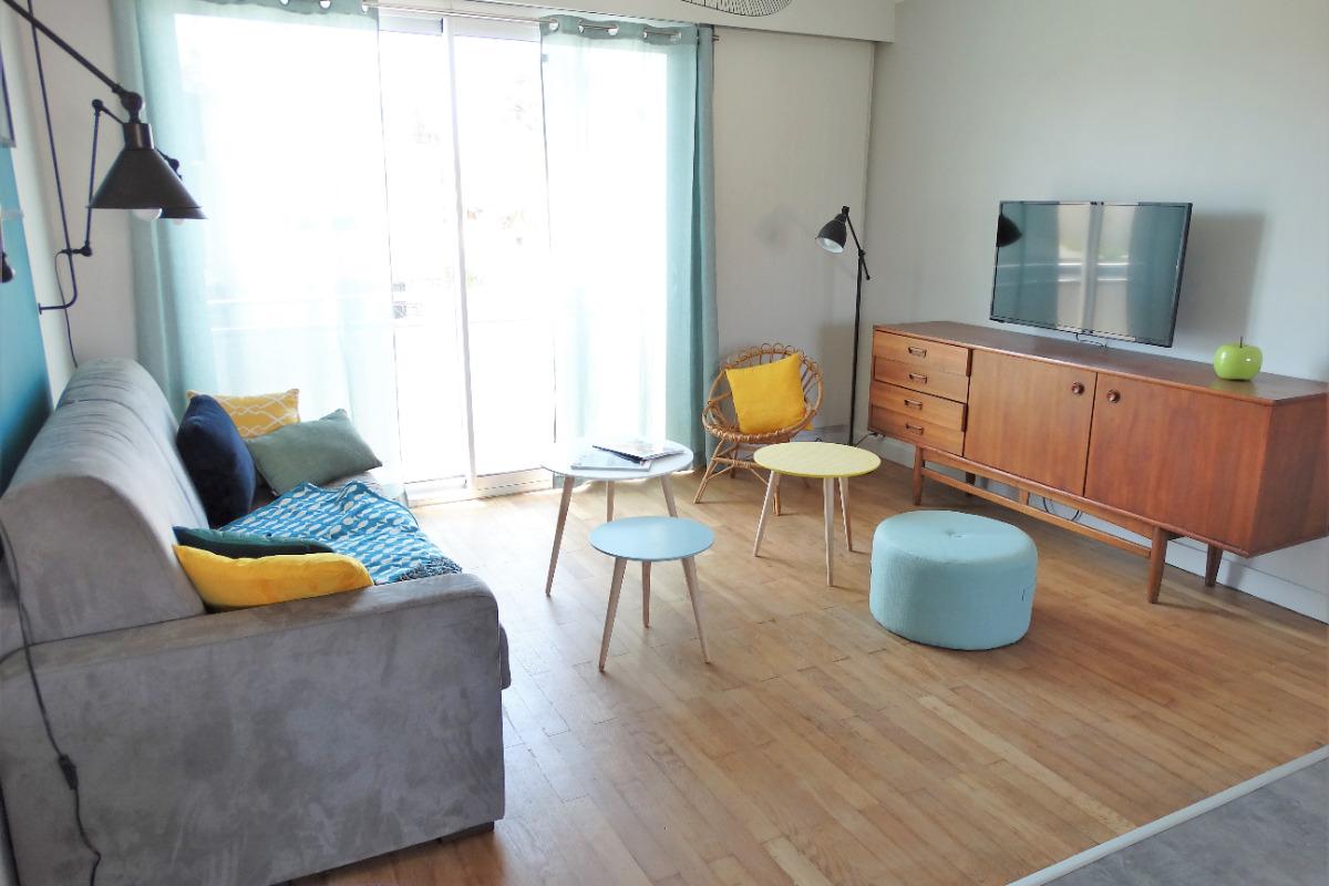 maison tendance proche plage de boisvinet saint gilles croix de vie location vacances saint. Black Bedroom Furniture Sets. Home Design Ideas