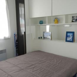 Chambre lit en 140 - Location de vacances - Château d'Olonne
