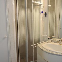 Salle d'eau - Location de vacances - Château d'Olonne