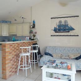 Cuisine/coin salon - Location de vacances - Saint Gilles Croix de Vie