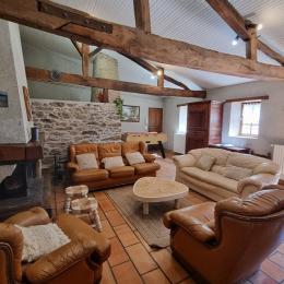 Salle-à-manger pour 25-30 personnes - Location de vacances - Saint Martin Lars en Sainte Hermine