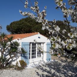 la terrasse le jardin - Location de vacances - L'Épine