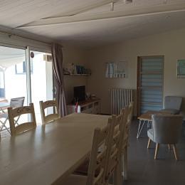 Salle commune petit déjeuner / salon/TV / kitchenette - Chambre d'hôtes - Les Sables-d'Olonne