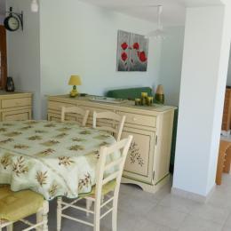 Le séjour avec un espace salle à manger - Location de vacances - La Tranche sur Mer