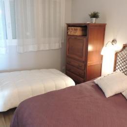 la chambre avec possibilité lit d'appoint pour un enfant - Location de vacances - Les Sables-d'Olonne