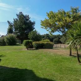 Vue de la terrasse sur un espace vert et le golf - Location de vacances - Talmont Saint Hilaire