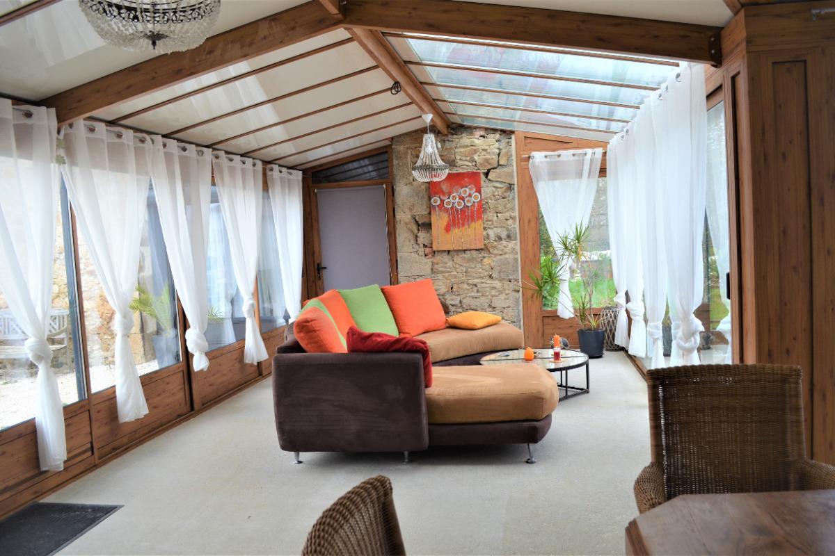 Salle à manger salon longère - Location de vacances - Saint Georges de Pointindoux