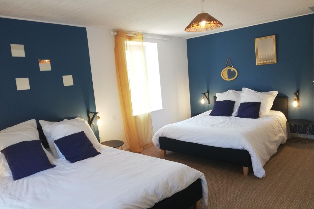 Chambre 1 - Location de vacances - Saint Jean de Beugné