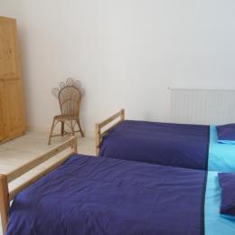 Chambre à l'étage : 2 lits en 90 - Location de vacances - Les Sables-d'Olonne