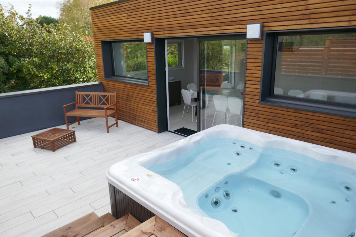 spa et terrasse - Location de vacances - Saint Fulgent